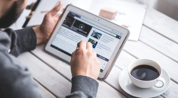 Leggere e scrivere al tempo del digitale. Perché nell'era della velocità va preservato il pensiero lento