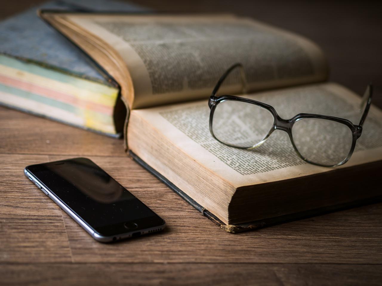 Leggere e scrivere immersi nei media: rallentare, pensare, discernere